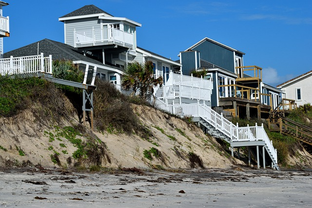 Where to Find an Experienced Hurricane Damage Attorney